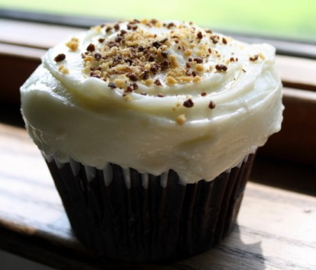 Chocolate Cupcake With Cream Cheese Frosting Chocolate cupcake with ...