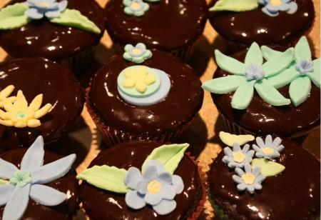 Gum Paste Flowers on Chocolate Cupcakes