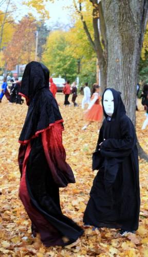 halloween-parade-outside