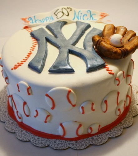 Finished Yankees Cake